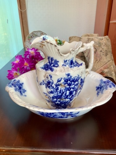 J. Kent  플로우 블루 피쳐&와시 볼 세트 J. Kent Flow Blue Pitcher & Wash Bowl Set circa 1901-1905