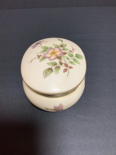 핸드페인트 드레서 박스 Hand Painted Hinged Dresser Box 1970's